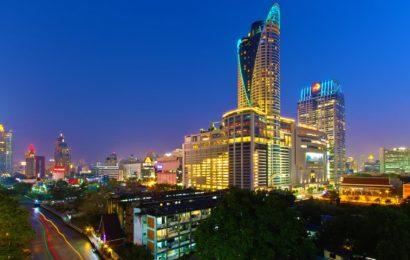 FARE SHOPPING IN THAILANDIA