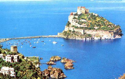 Inizia la stagione ad Ischia: isola presa d'assalto